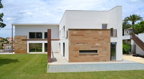 M. House: Case in stile in stile Moderno di G. Giusto - A. Maggini - D. Pagnano