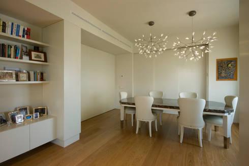 Sala da pranzo: Sala da pranzo in stile  di OPEN PROJECT