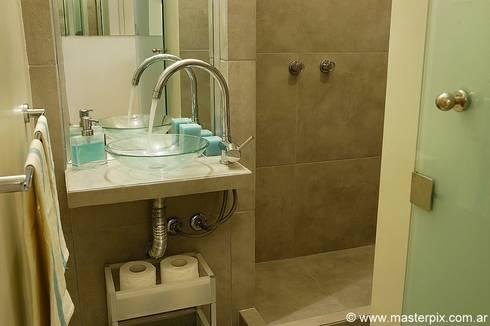 Baños : Baños de estilo minimalista por MINBAI