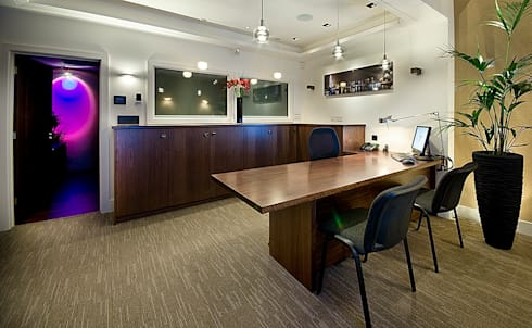 Demo Room:  Offices & stores by Future Light Design