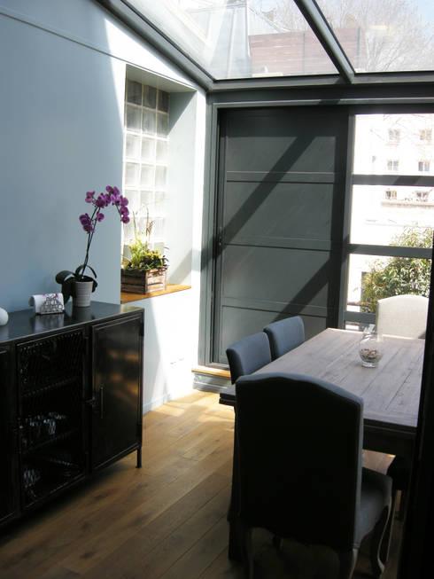 Aménagement et décoration d'une maison: Salle à manger de style de style Industriel par Parisdinterieur