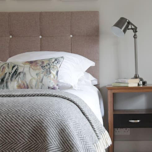 The Hepworth Luxury Designer Upholstered Bed:  Bedroom by TurnPost