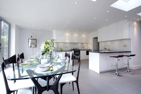 Muswell Hill N8: Contemporary light kitchen: classic Kitchen by Increation