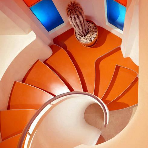Penthouse Flat, Clerkenwell:   by Jeff Kahane + Associates