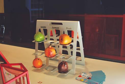 Fruittiera set: Cucina in stile in stile Industriale di Adele Rotella Design Studio