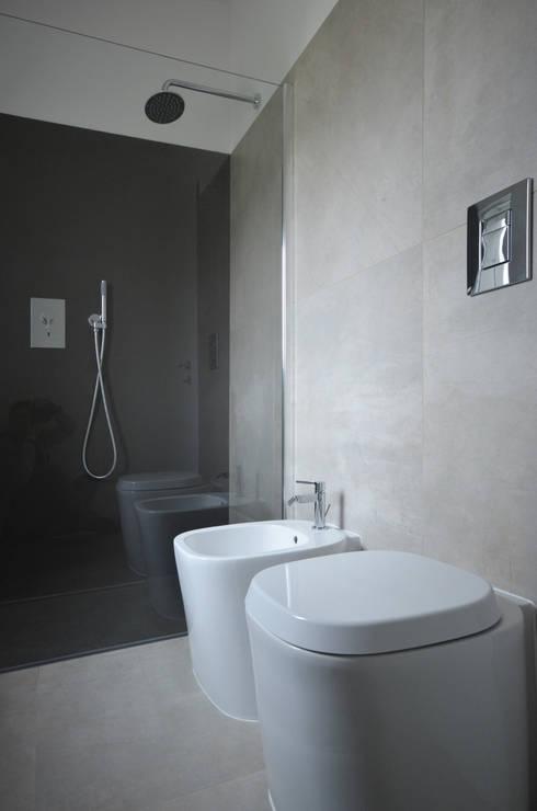 Casas de banho modernas por fds|officina di architettura