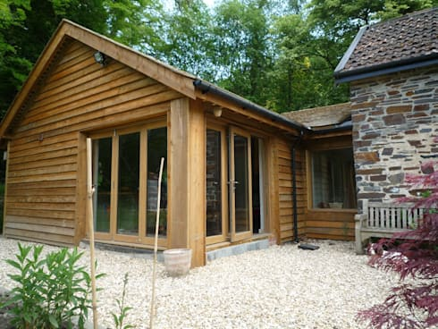 Extension to Country Cottage:   by Geoff Sellick Architectural & Interior Design