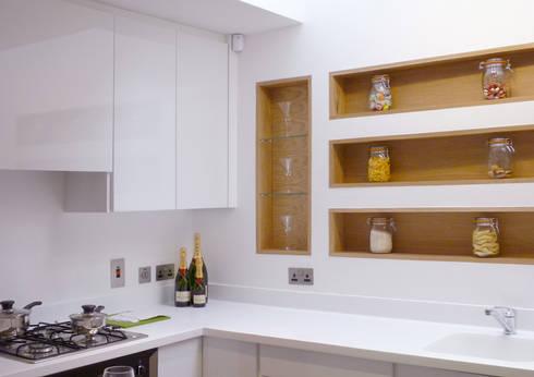 Kitchens: modern Houses by Studiodare Architects