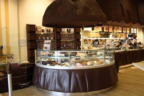 Witor's Store: Centri commerciali in stile  di Arch. Paolo Bussi