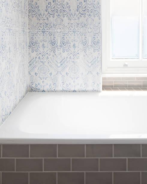 Oakhill Court, Putney: rustic Bathroom by Ardesia Design
