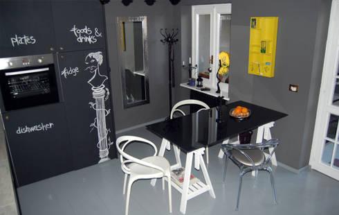 RECUPERO  ARREDI ESISTENTI: Cucina in stile in stile Eclettico di Inarte Progetti di Lucio Mana