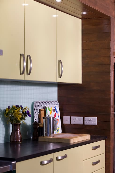 Rowan Ave: eclectic Kitchen by Pride Road
