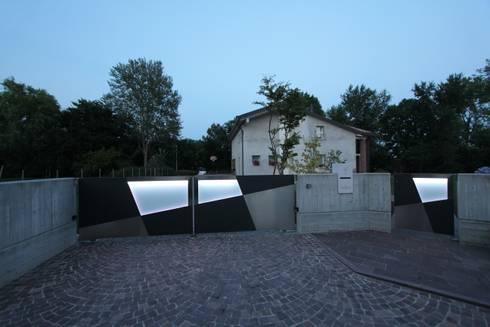 LED&MOTION:  in stile  di STUDIO ARCH. GIANNI RIGO