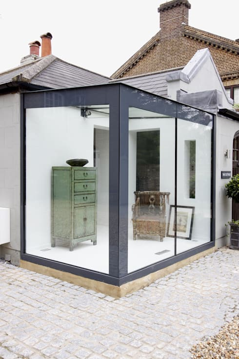 Home Farm Close:  Living room by IQ Glass UK