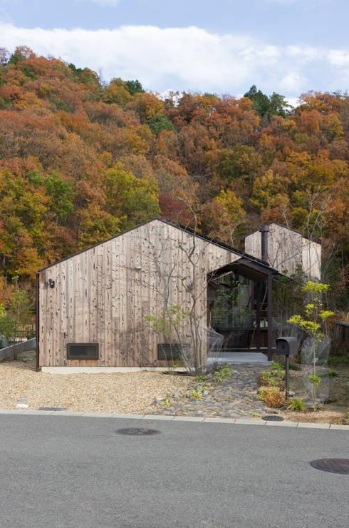 箕面森町の家: 間工作舎が手掛けた家です。