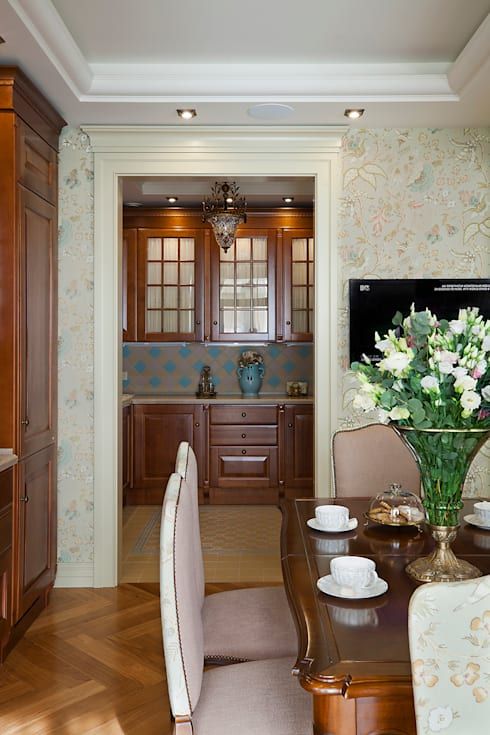 classic Dining room by VVDesign