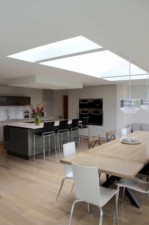 Springfields Modern House Extension: modern Kitchen by Adam Knibb Architects
