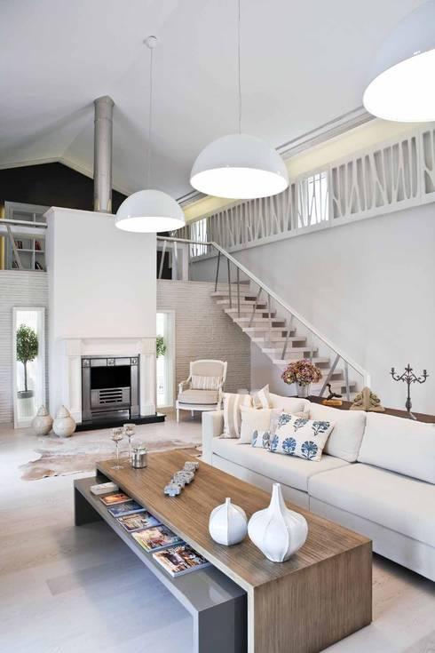 EKE Mimarlık – Çeşme Port Alaçatı:  tarz Oturma Odası