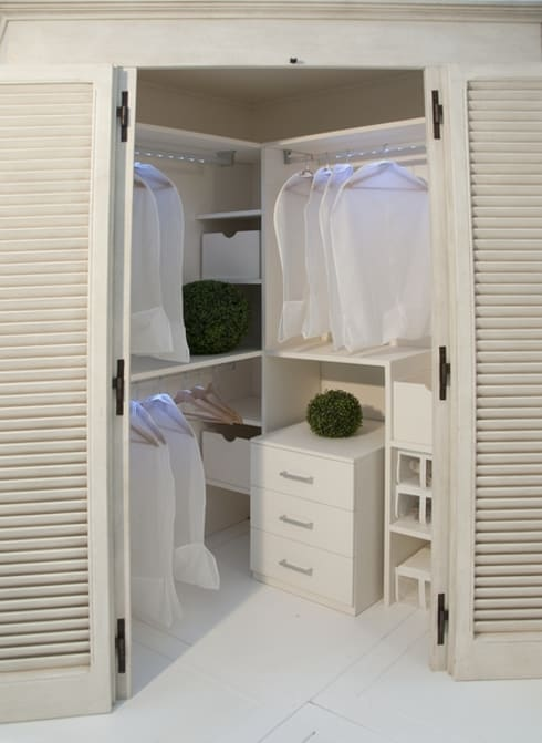 Cabina armadio... di LA BOTTEGA DEL FALEGNAME | homify