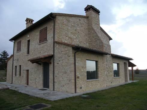 Ristrutturazione casale di campagna umbria provincia di perugia di studio architetti - Ristrutturare casale di campagna ...