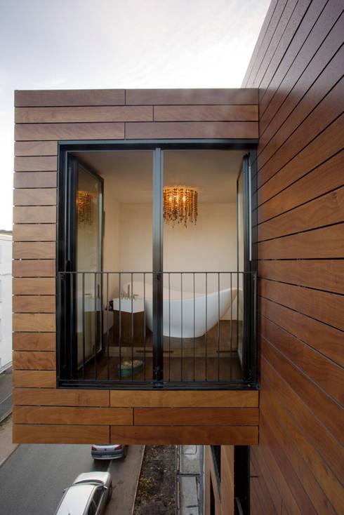 Bogenallee Wohnen [+]:  Fenster von blauraum architekten