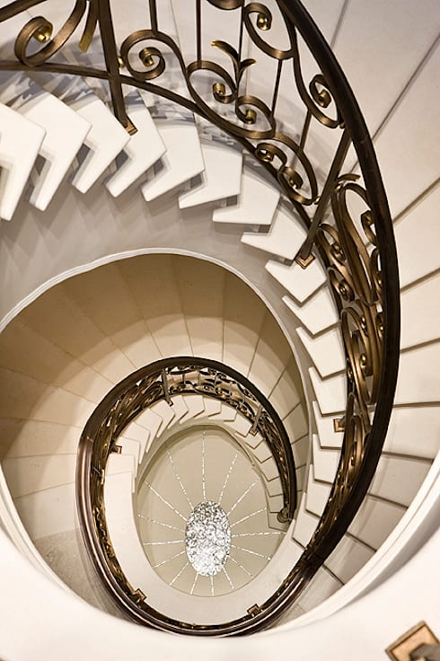 Custom designed staircase: classic Houses by Christopher Cook Designs Limited