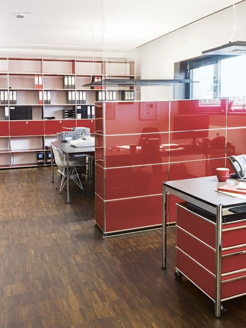 Arbeiten mit USM:  Bürogebäude von USM Möbelbausysteme