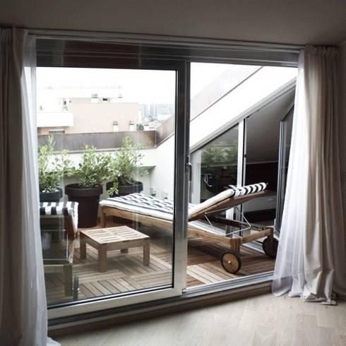 Roof Attic: Case in stile in stile Moderno di Principioattivo Architecture Group Srl