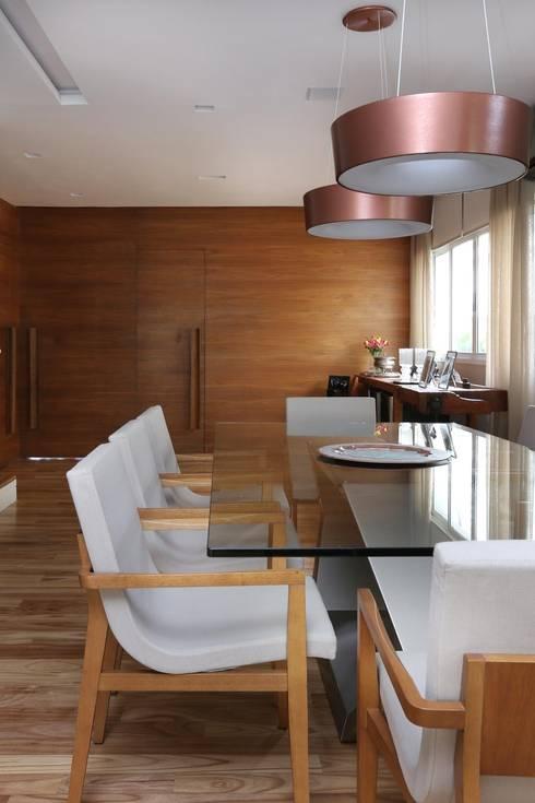 Cidade Jardim | Residenciais: Salas de jantar modernas por SESSO & DALANEZI