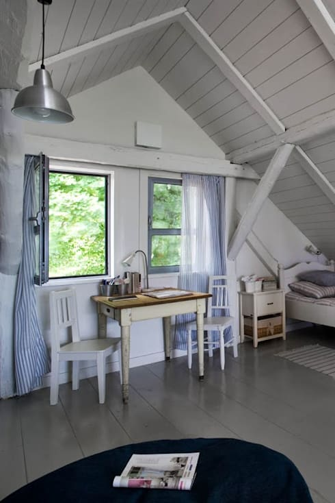 Dormitorios de estilo  por AA s.c. Anatol Kuczyński Anna Kuczyńska