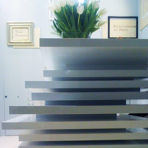 punto 11: Allestimenti fieristici in stile  di Principioattivo Architecture Group Srl