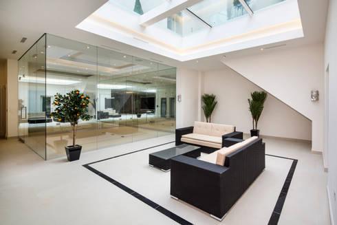 Fairways at the Bishops Avenue: modern Spa by Celia Sawyer Luxury Interiors