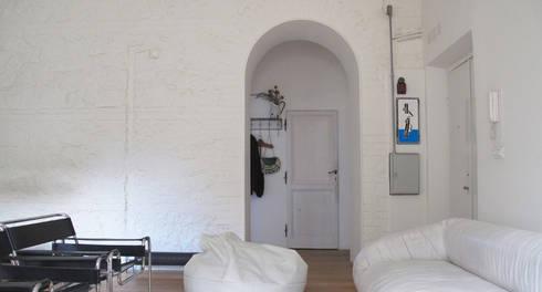casa gazometro fase 1: Case in stile  di laiBE