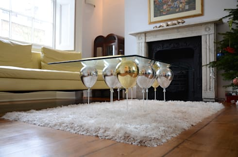 The Up Balloon Coffee Tale gold/silver:  Living room by Duffy London