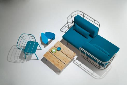 divano da esterno + poltroncina: Bagno in stile  di 4P1B Design Studio