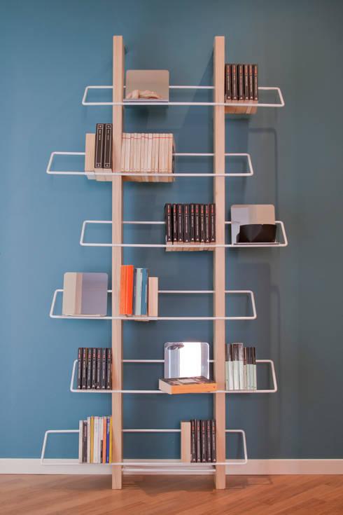 traliccio parete: Soggiorno in stile  di 4P1B Design Studio
