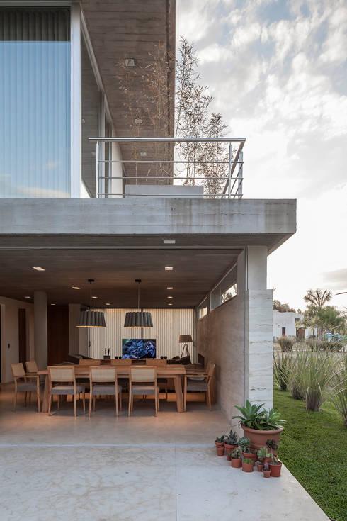 Casas de estilo  por ESTUDIO GEYA