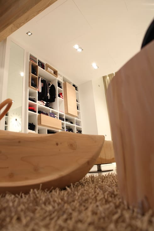 Boutique 0-18:  in stile  di FRANCESCO CARDANO Interior designer