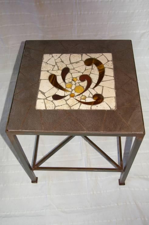 Mobilier: Salon de style  par CREDEMO (CREation DEcoration MOsaique