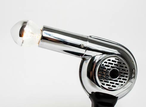 Monophon: Soggiorno in stile in stile Eclettico di Altrosguardo