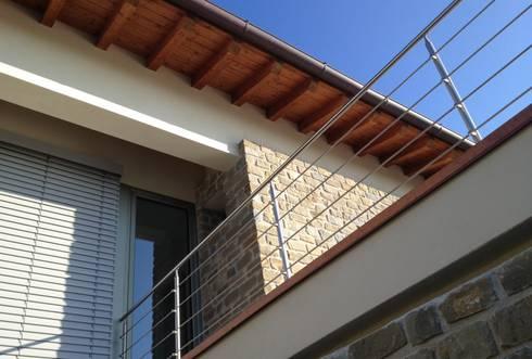Villa unifamiliare a Bastia Umbra (PG): Case in stile in stile Moderno di Fabricamus - Architettura e Ingegneria