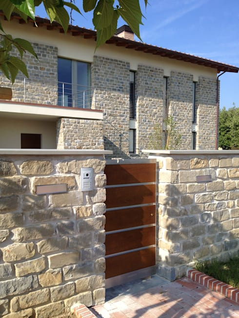 Villa unifamiliare a Bastia Umbra (PG): Case in stile  di Fabricamus - Architettura e Ingegneria
