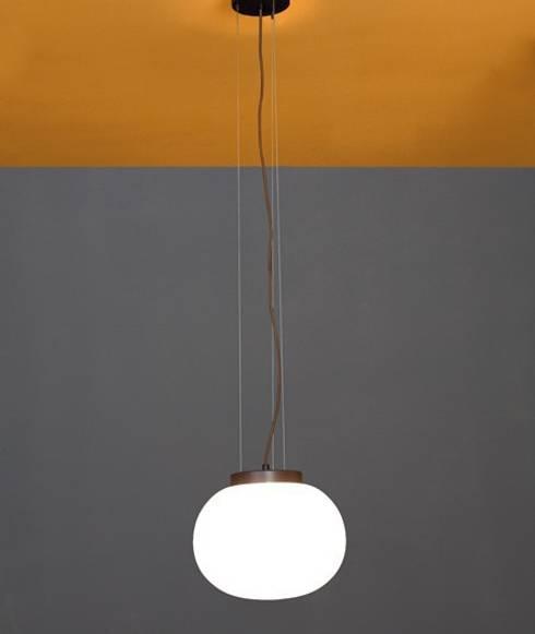Colgantes: Salones de estilo moderno de LUXCAMBRA