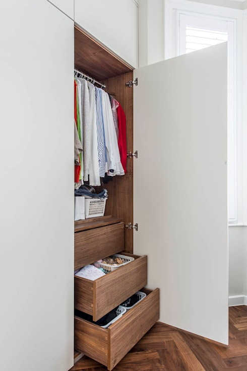Bespoke Wardrobe:  Bedroom by CATO creative