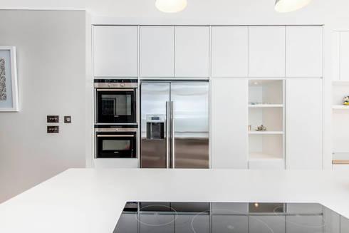 bespoke Kitchen: modern Kitchen by CATO creative