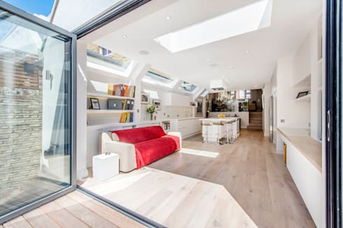 Rear Extension: modern Living room by CATO creative
