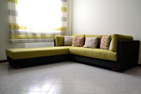 DivanoM&G: Soggiorno in stile in stile Moderno di P. Pennestrì vestire gli interni
