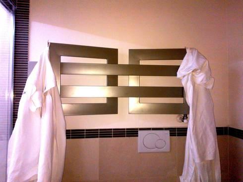UNA SPA IN CASA… : Bagno in stile in stile Moderno di Inarte Progetti di Lucio Mana