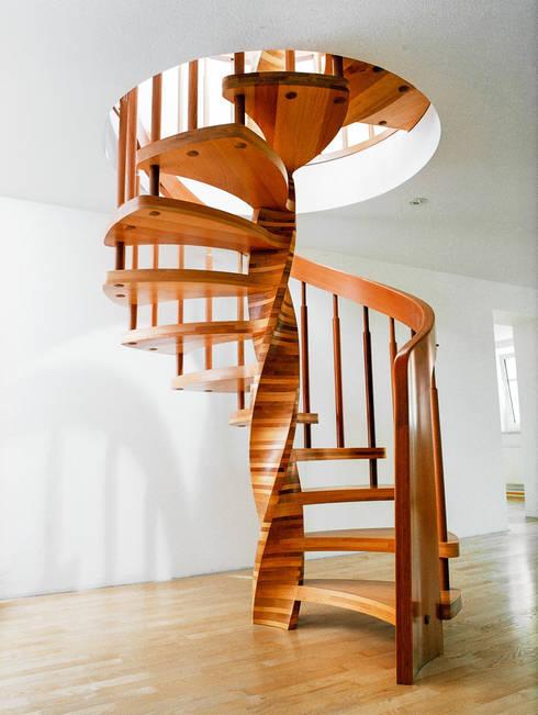Corridor, hallway & stairs  by Daniel Beutler Treppenbau