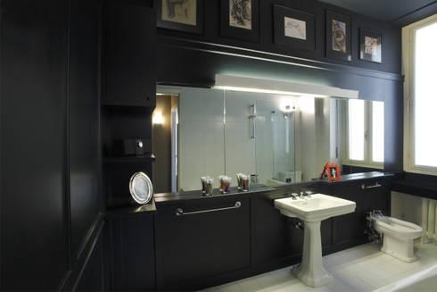APARTMENT BIANCAMARIA: Bagno in stile in stile Moderno di PAOLO FRELLO & PARTNERS